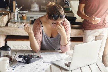 woman doing bank accounts
