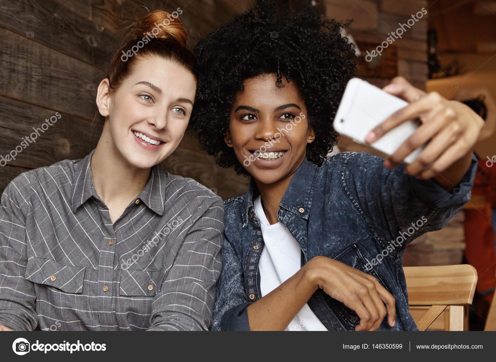 Schwarze Lesben Bilder