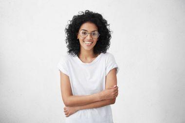 dark-skinned female singer