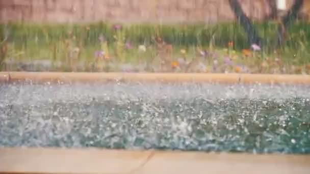 Gocce dacqua in una fontana