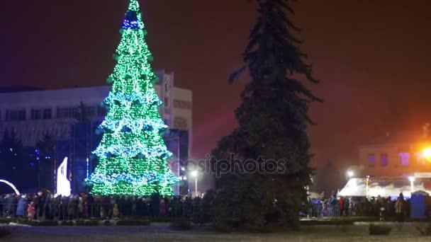 Új év tree város főterén