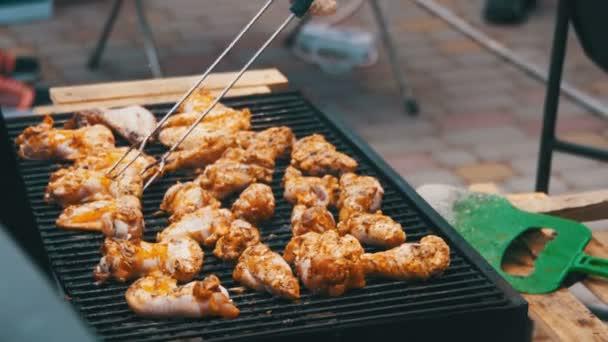 grilované kuře na grilu