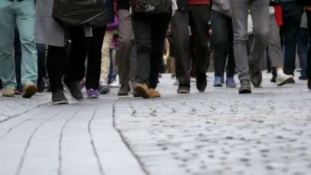 Resultado de imagem para fotos de pessoas andando