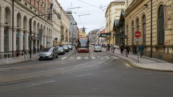 České tramvaje jezdí přes staré město České republiky