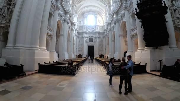 Innere des berühmten St. Michaels Church in München, Deutschland