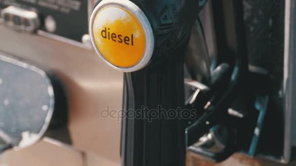 Benzin oder Diesel-Kraftstoff-Pumpe-Düse-Tankstelle. Tankstelle. Tankstelle