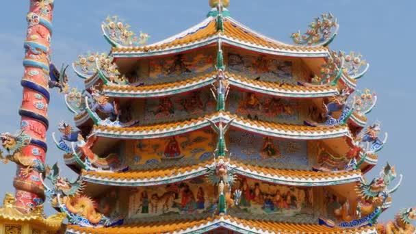 Architektura čínský chrám Bangsaen v Thajsku. Vnější vzhled