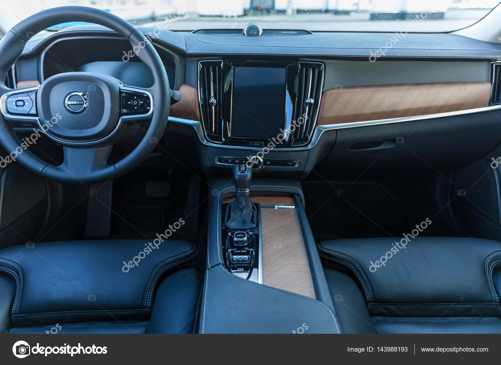 Interieur Auto Volvo S90 — Redaktionelles Stockfoto © Oleg.0 #143988193