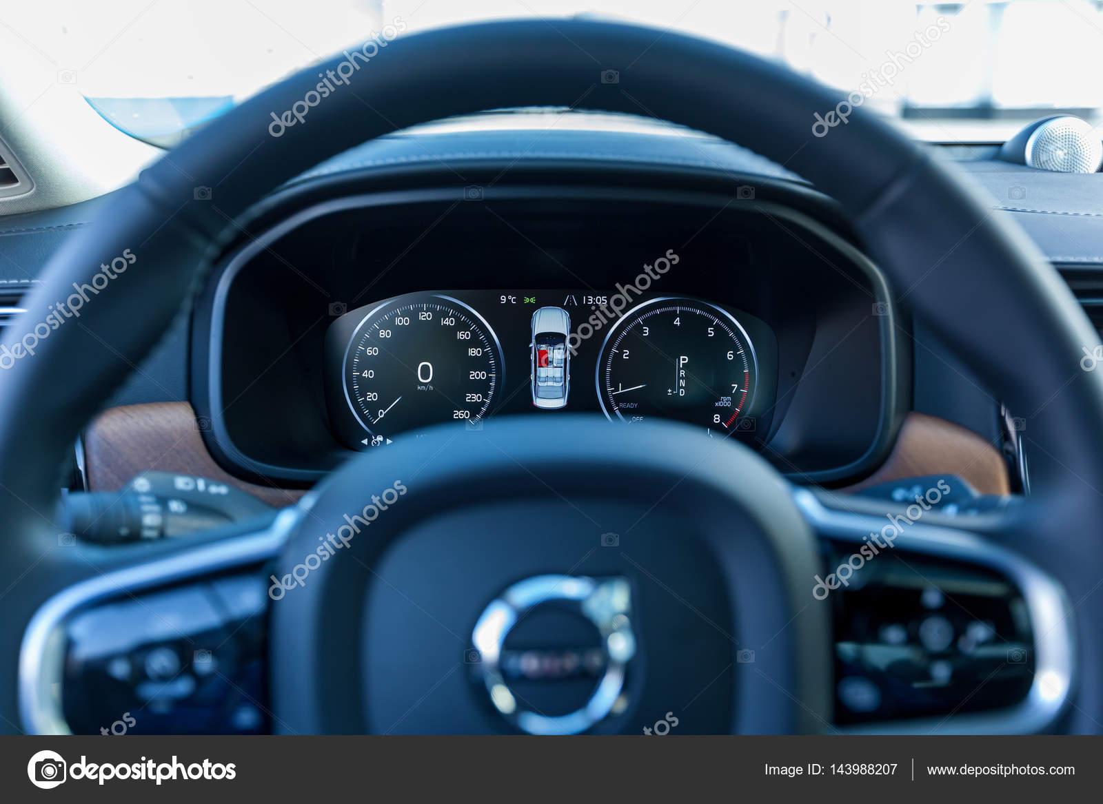 Interieur Auto Volvo S90 — Redaktionelles Stockfoto © Oleg.0 #143988207