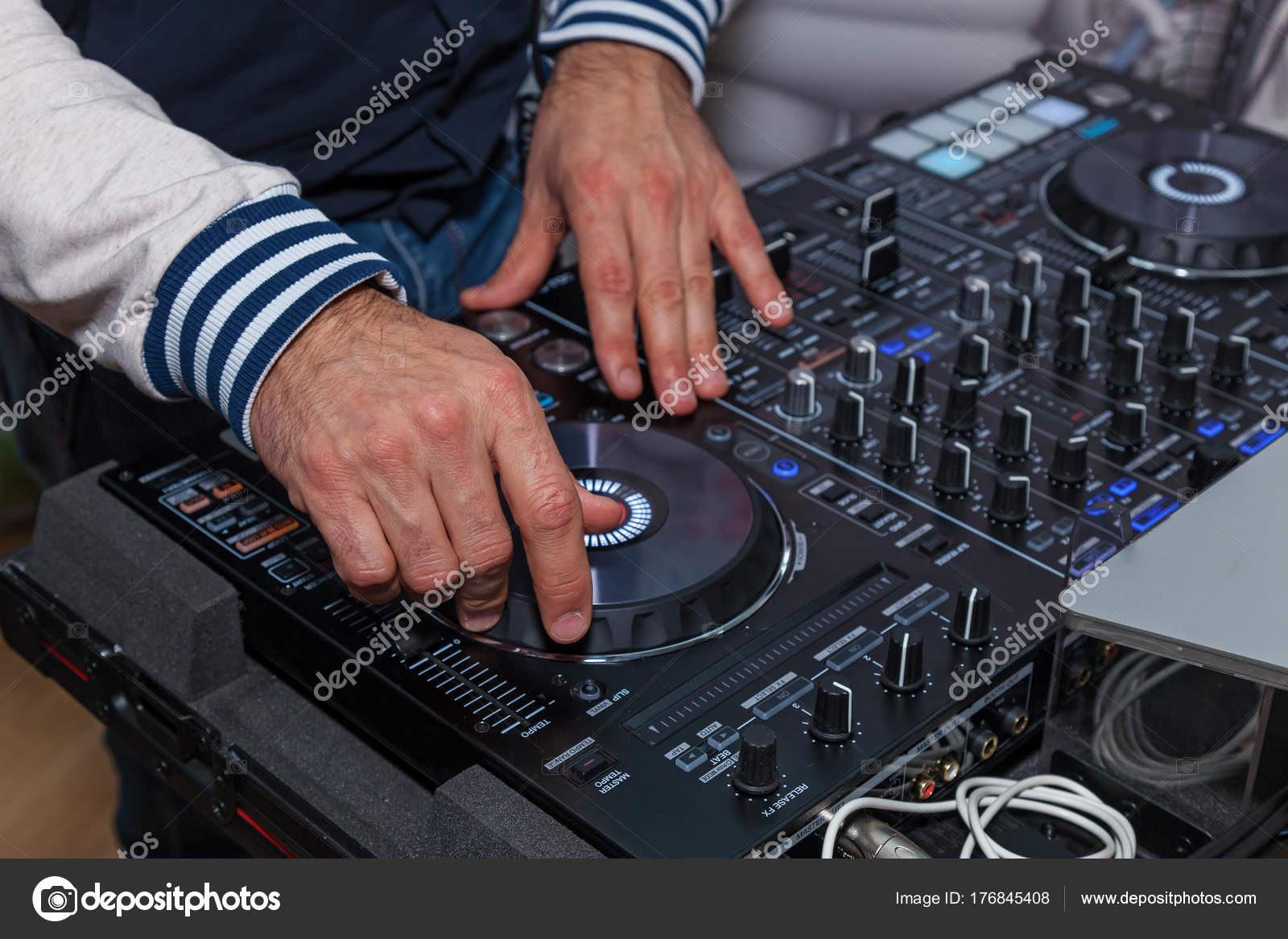 Console dj pour des expériences avec de la musique u photographie