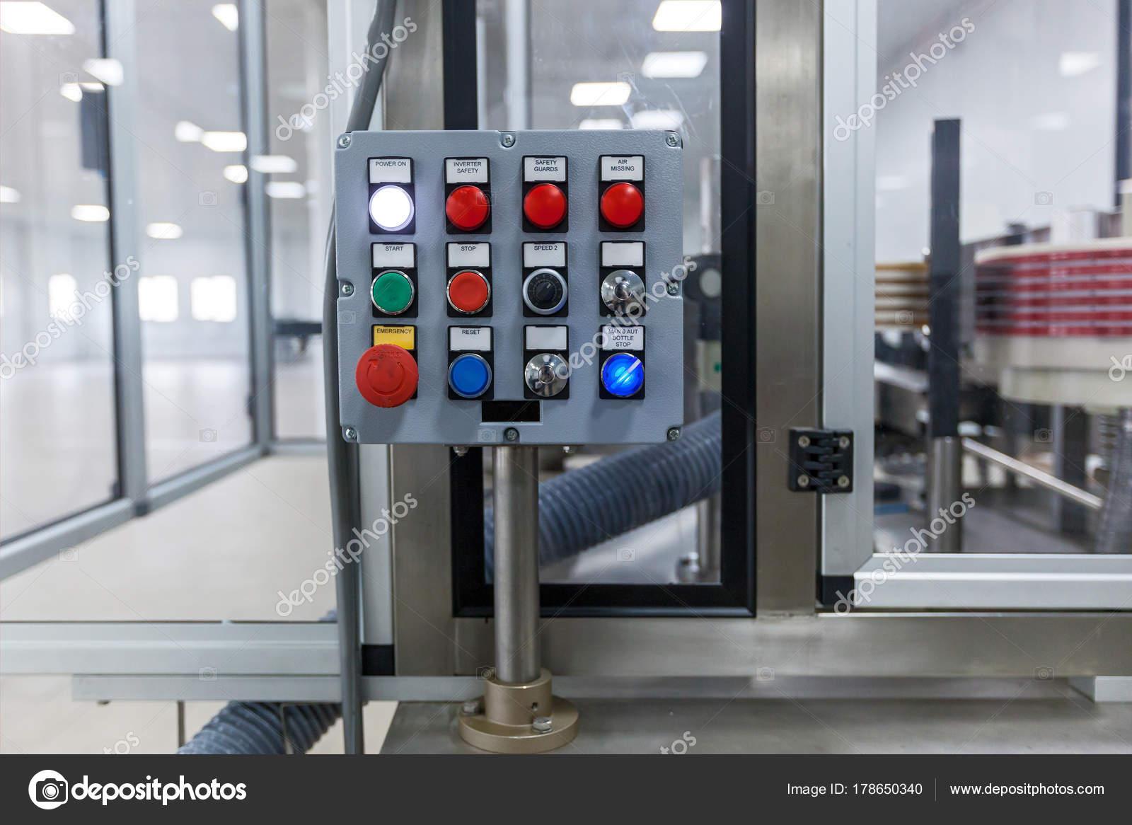Control Panel Der Ein Elektrischer Schaltschrank Bedienfeld Mit ...