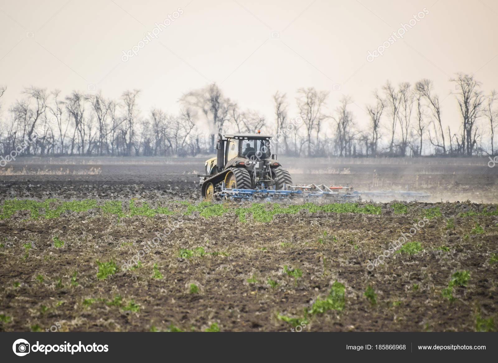 почему вспашка почвы