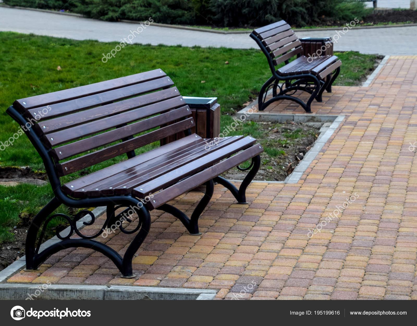 Surprising Benches In The Park Sidewalk Tile In The Park Uwap Interior Chair Design Uwaporg