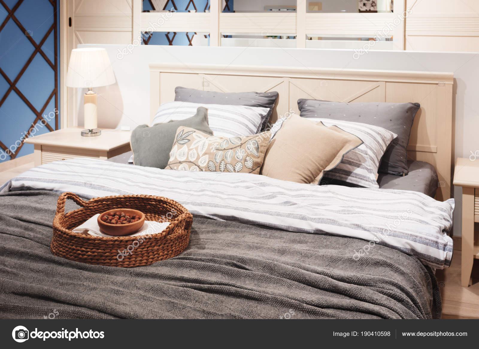 Luxus Modernen Stil Schlafzimmer Rosa Grau Blauen Tönen Interieur ...