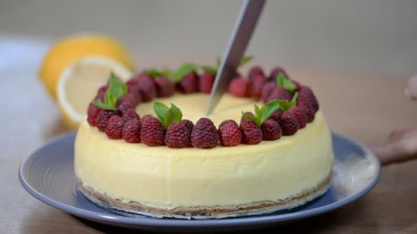 Domácí New York cheesecake na Servírovací stojan s plody