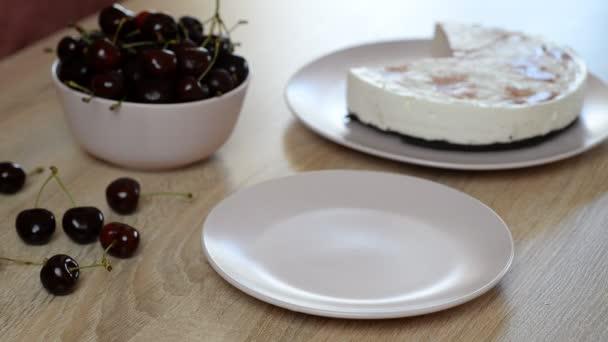 Lahodné a sladké tvarohový koláč s cherry želé