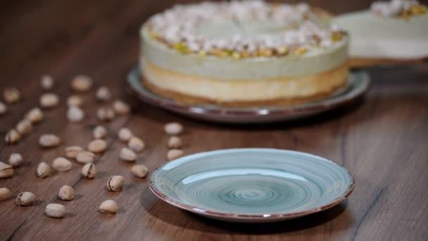 Pistácie mousse dort, tvarohový koláč na plechu.