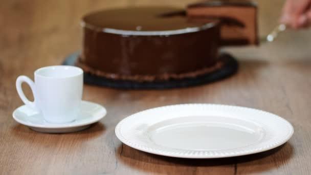 Domácí lahodné čokoládové mousse dort