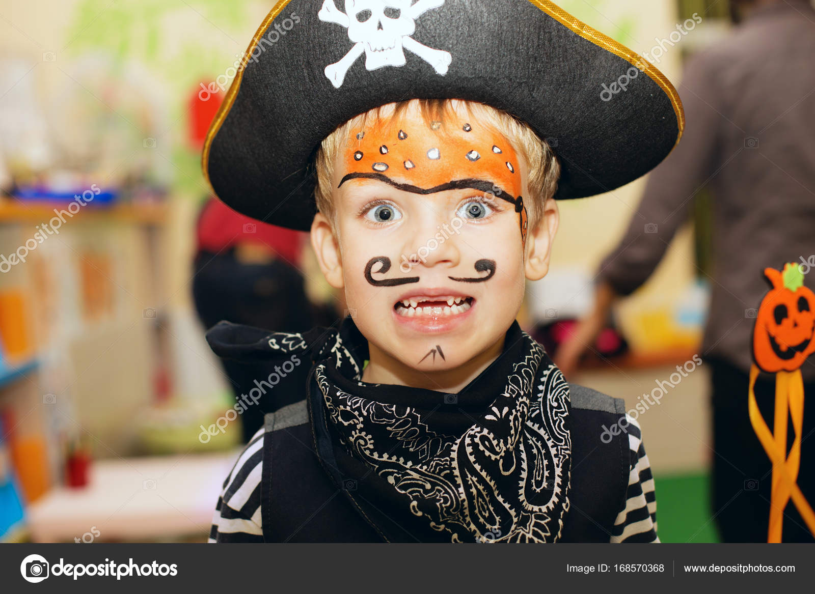 Halloween Makeup For Kids Boy.Pirate Makeup Kids Halloween Party Little Boy Pirate