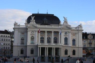 Sechselautenplatz and Zurich Opera House Opernhaus Zurich in Swiss.
