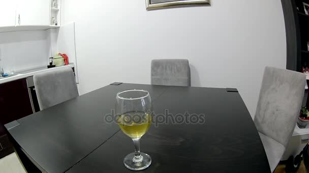 fehér bor minőségének kóstoló.
