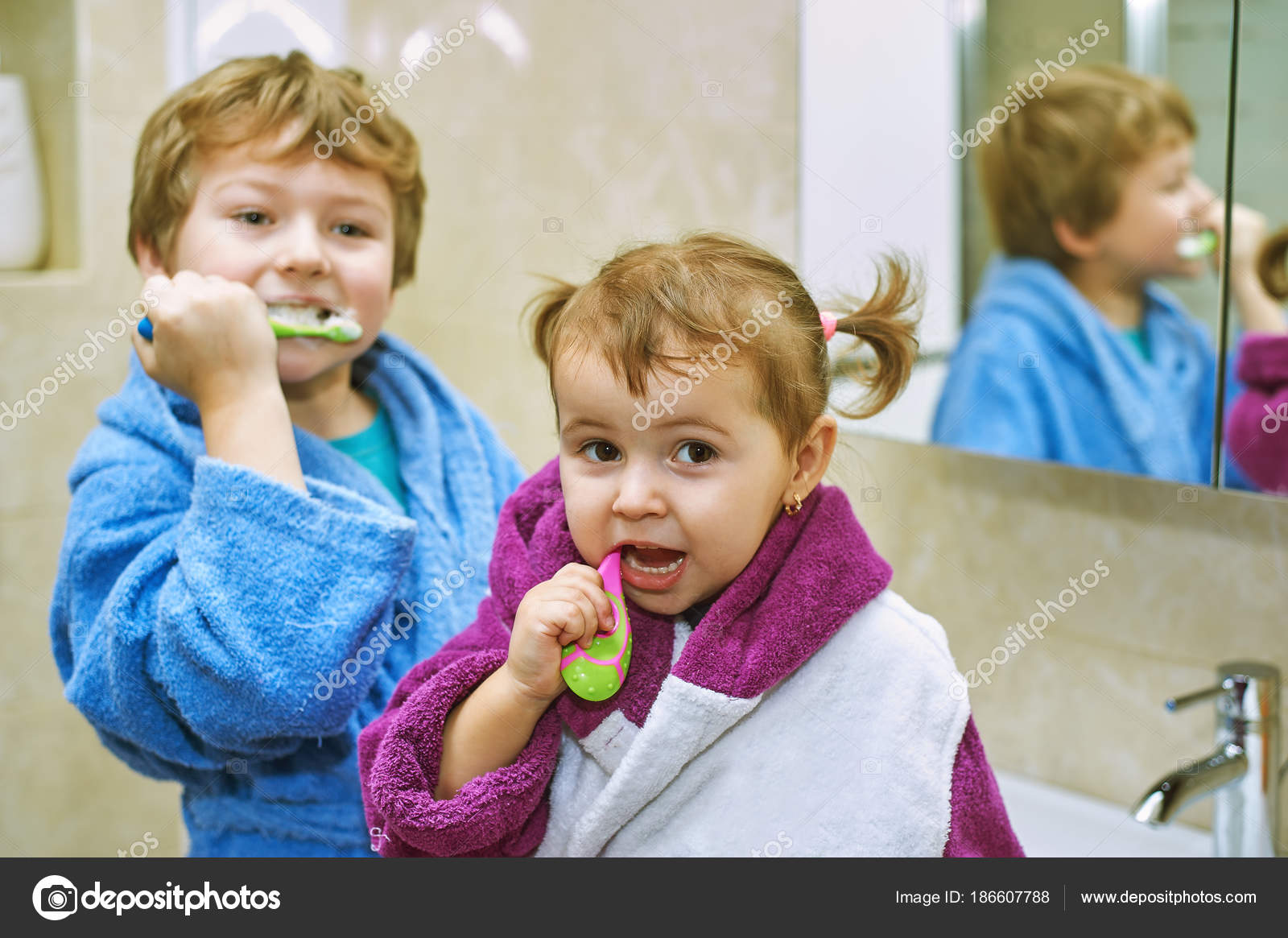 a9c5c55dec Cute Kids Bathrobes Bathroom Brushing Teeth — Stock Photo © fisher05 ...