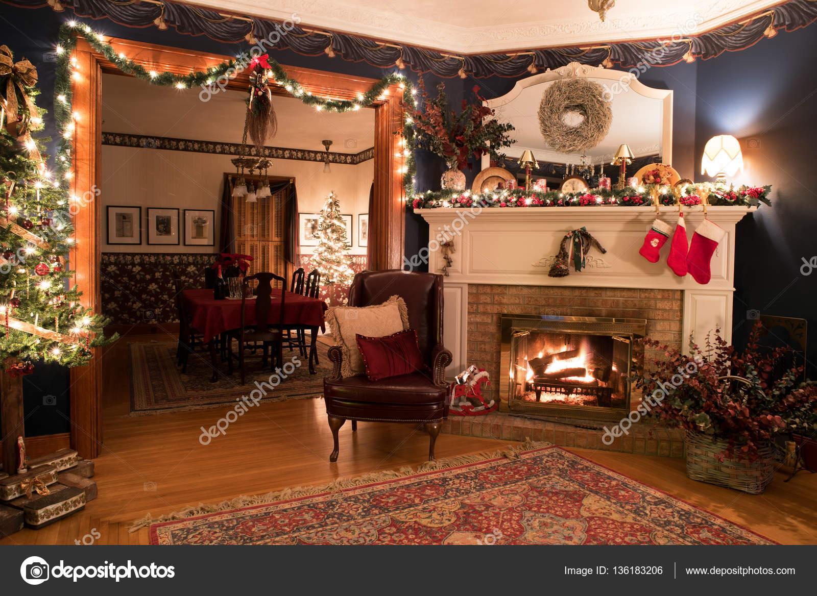 Immagini Natale Vittoriano.Regolazione Di Natale Vittoriano Con Camino Foto Stock C Lawcain