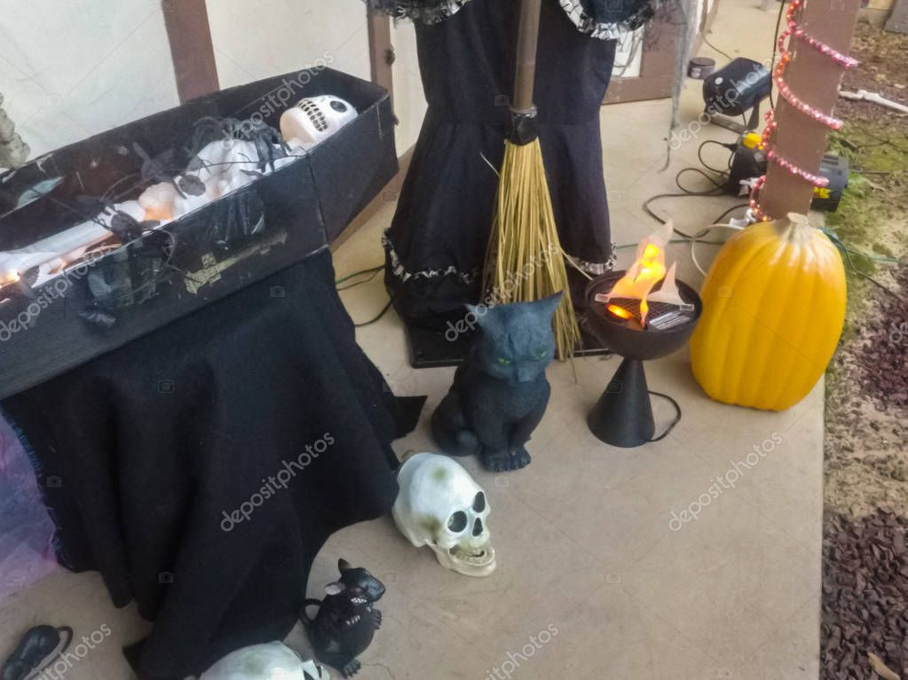 Buiten huis halloween decoratie — Stockfoto © russiandoll #129144654