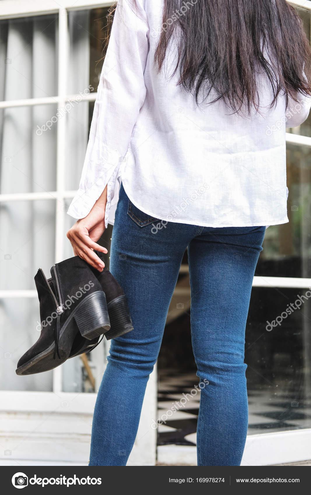 en blanca asiática zapatos con camiseta Mujer jeans tacón con negro de  Sqgw7x4 eab5efd249d6