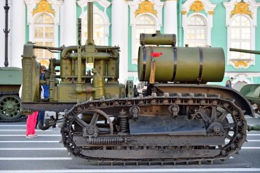 Crawler Tractor stalinets on Palace square