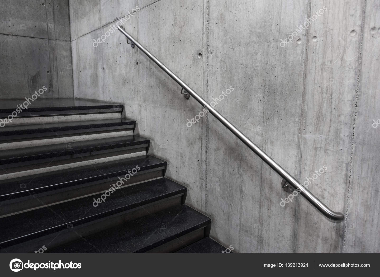 Trap in een modern gebouw detail u stockfoto marvlc