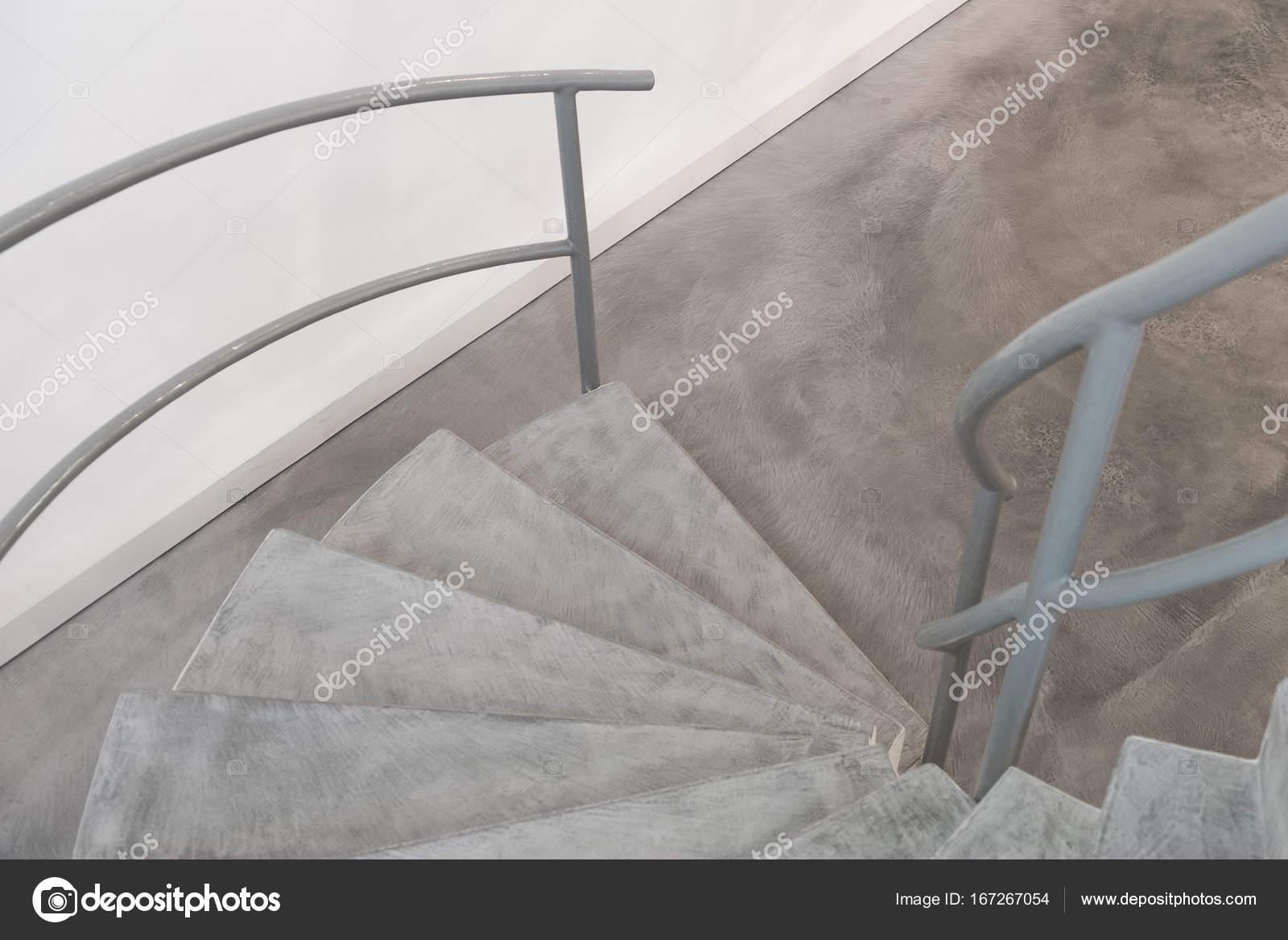 treppe in minimalistischem stil bilder, funktionalistischen stil treppe im inneren — stockfoto © marvlc, Design ideen