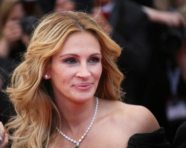 Julia Roberts attends the 'Money Monster'