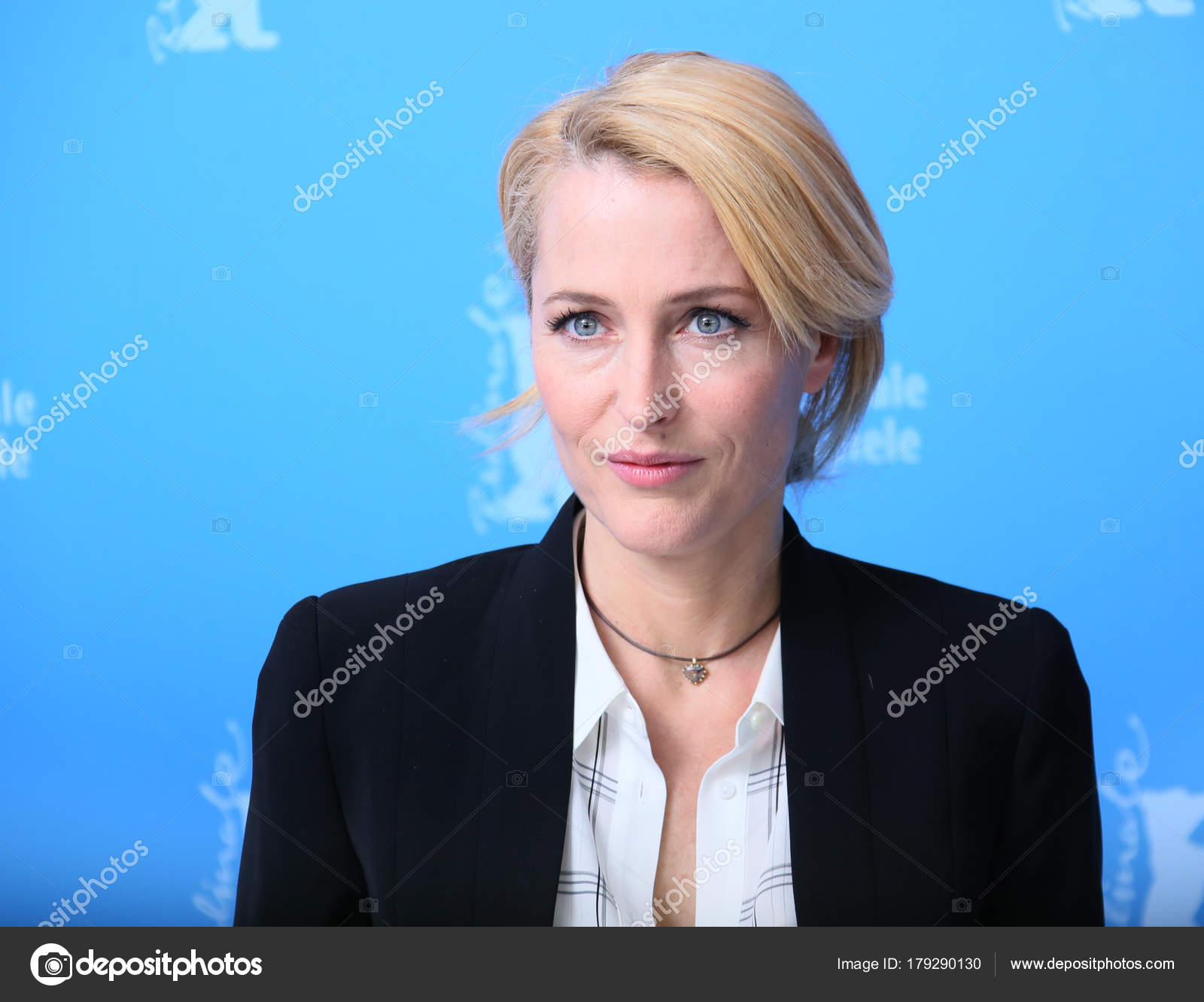 Gillian Anderson attends the '...