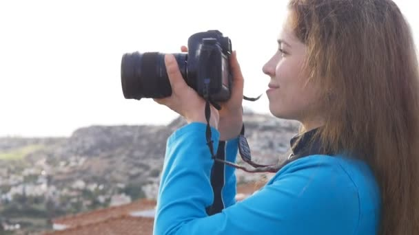 Fotografo di viaggi scattare foto