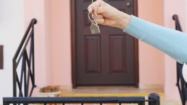 V ruce klíč pro nový domov