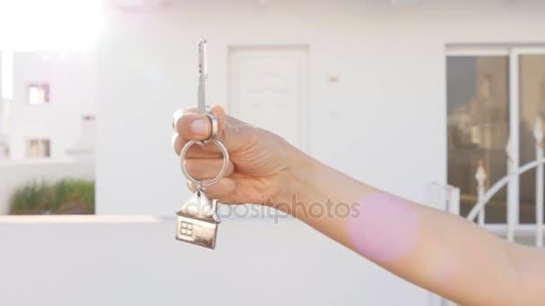 chiavi in mano con gli immobili