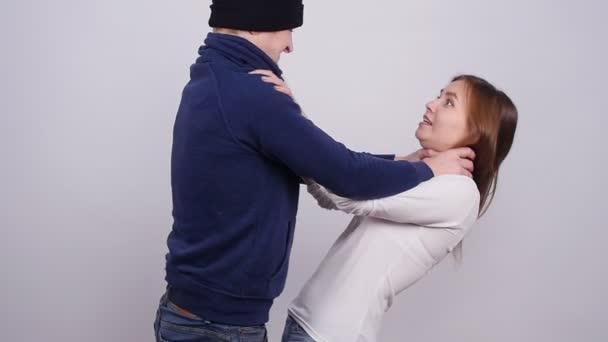 El aborto daña a la mujer - Página 15 Depositphotos_172420558-stock-video-domestic-violence-a-man-beats