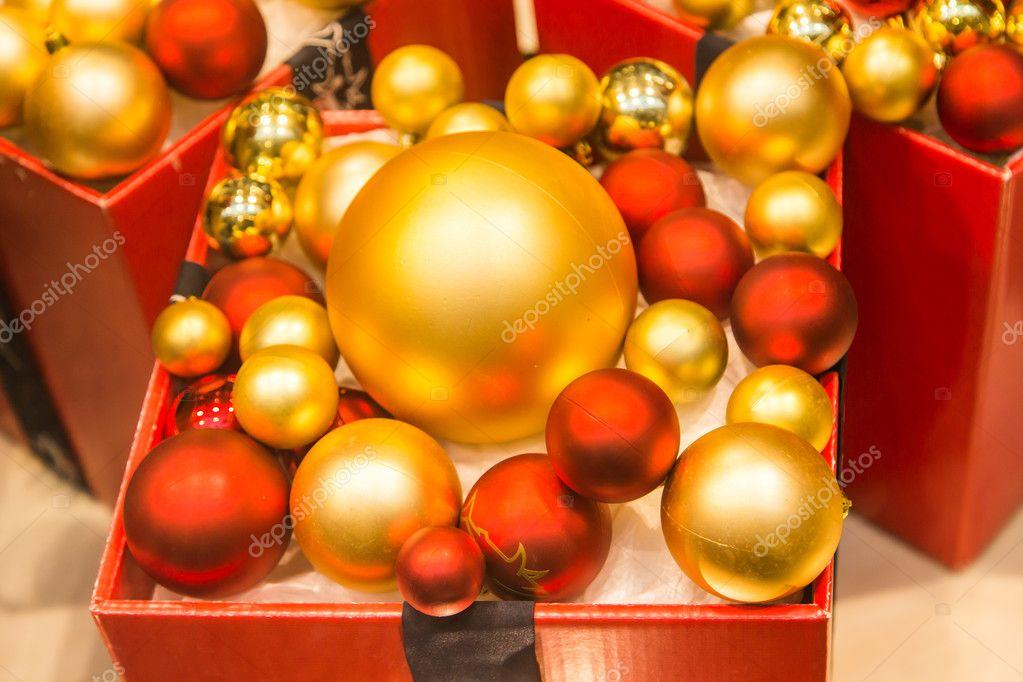Weihnachtskugeln Rot Gold.Weihnachtskugeln Rot Und Gold Stockfoto Satura 127470052