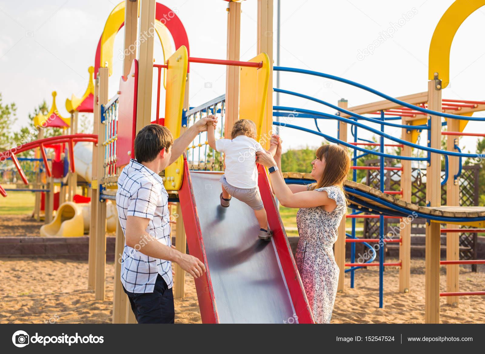 concepto de verano, infancia, ocio y familia - niño feliz y sus ...