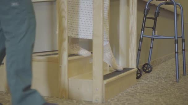 Pracovní terapie koleno pacienta