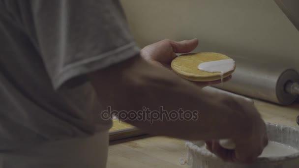 Baker ruka poleva Napoleon soubory cookie