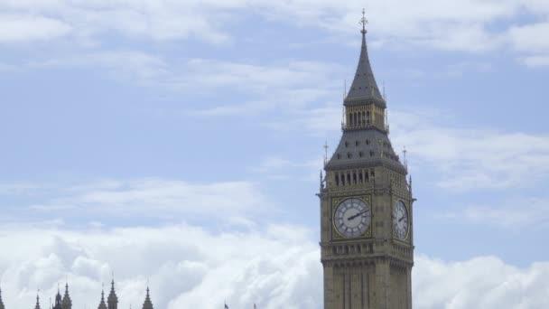 Zeitraffer der Wolken über Big Ben