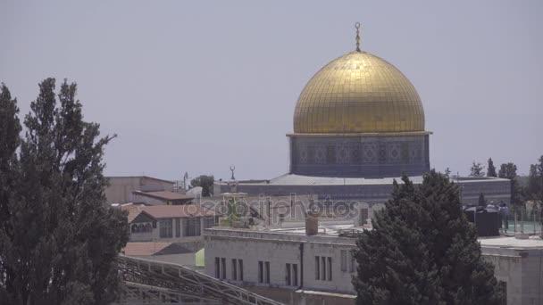 A szikla mecset kupolája töve