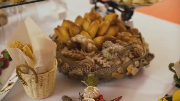 Tavolo Compleanno Natale : Splendidamente decorate catering banchetto tavolo su evento di