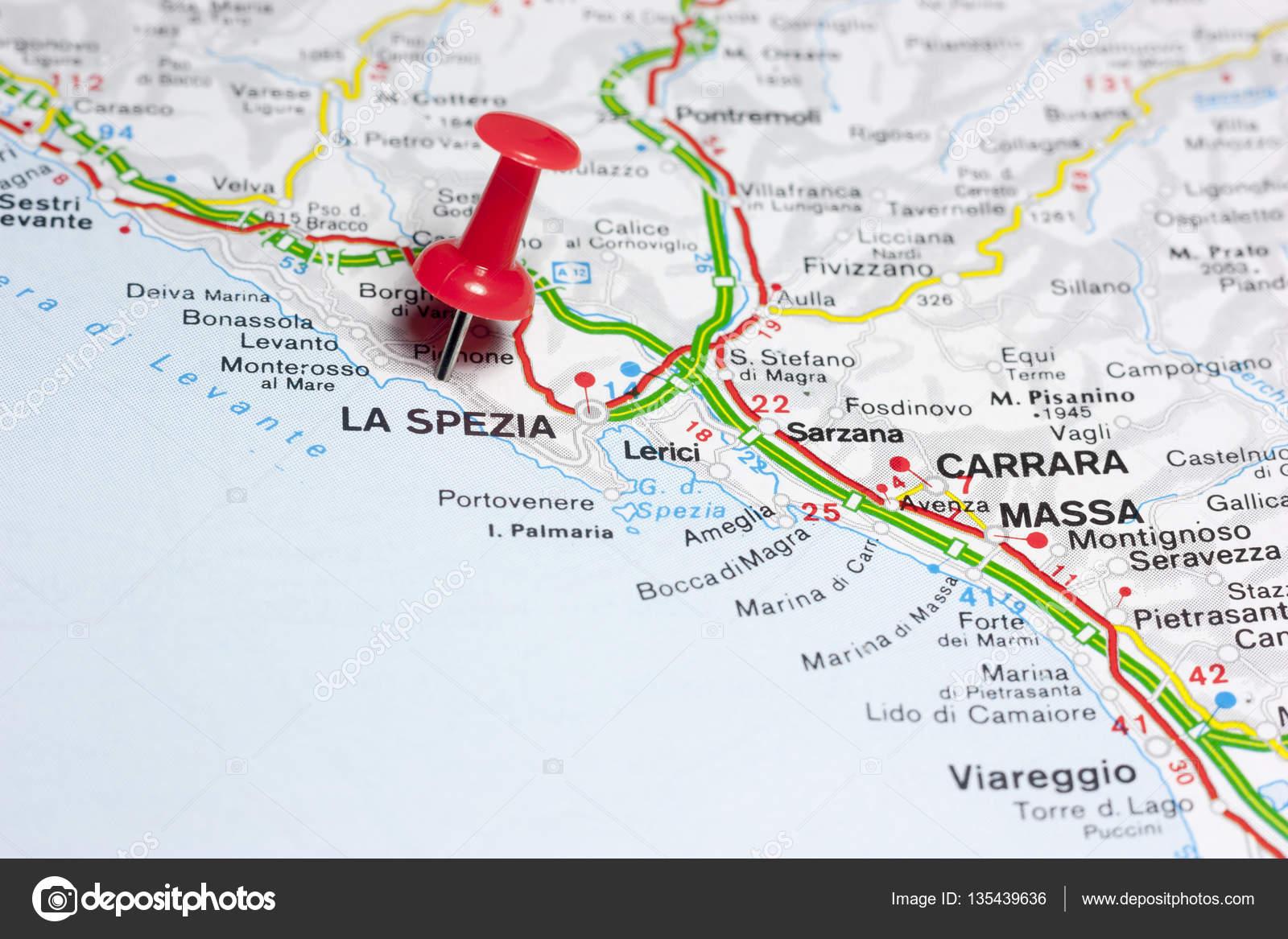 La Spezia Italia en el mapa — Fotos de Stock © maior #135439636