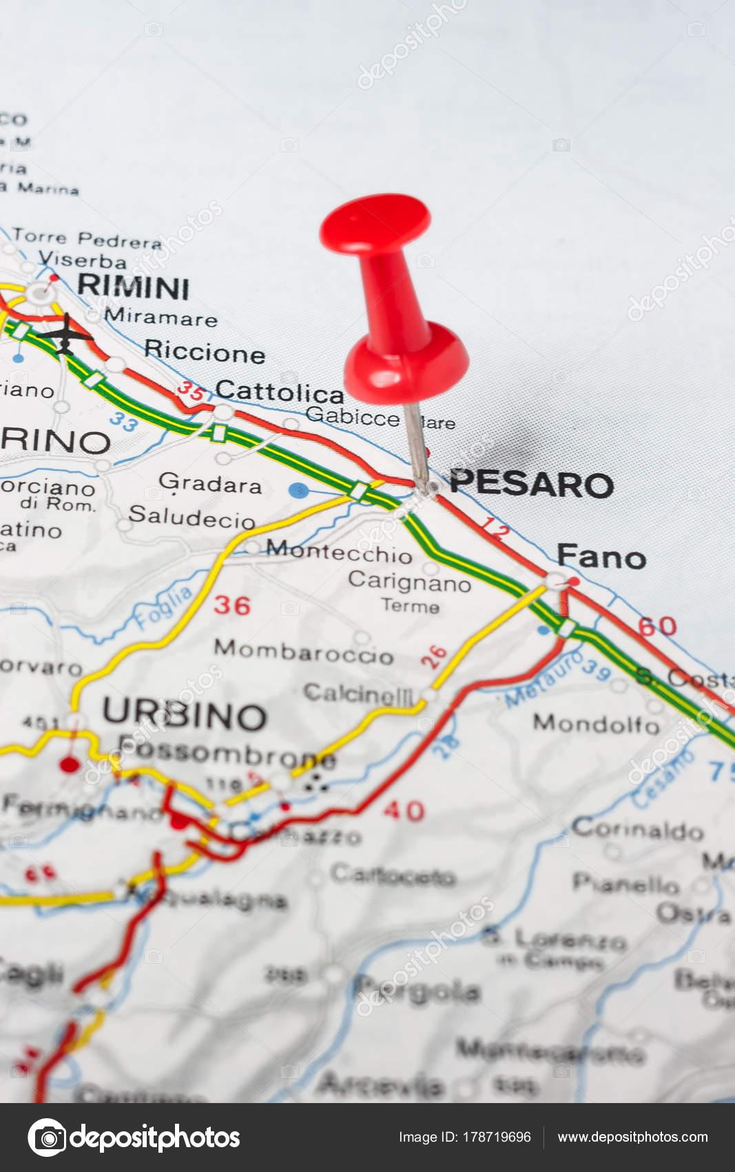 Carte Italie Pesaro.Pesaro A Effectue Le Tombe Sur Une Carte De L Italie