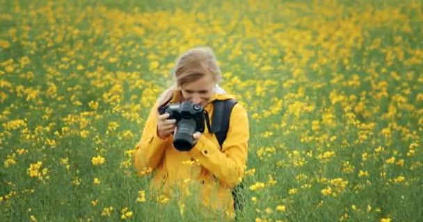 Fotografin fotografiert wunderschöne Natur