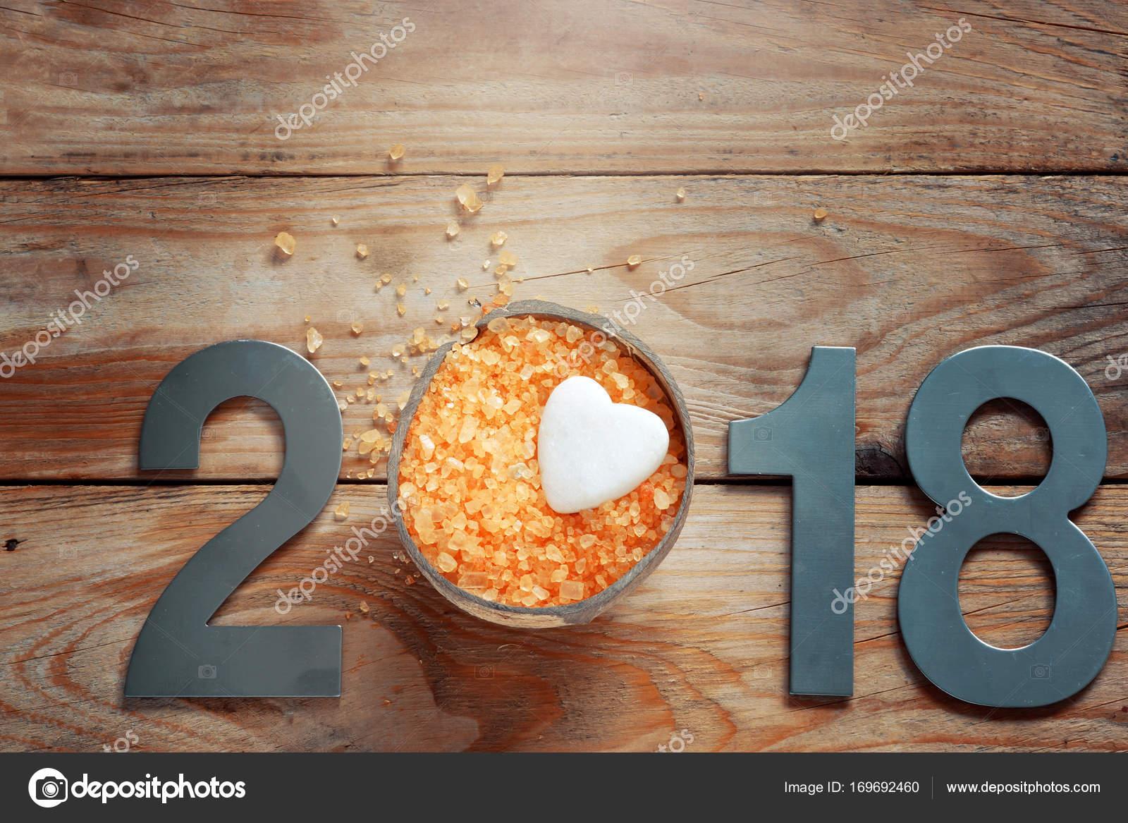 Bad Tafel Hout : New year spa ingesteld op houten tafel kokosnoot en bad