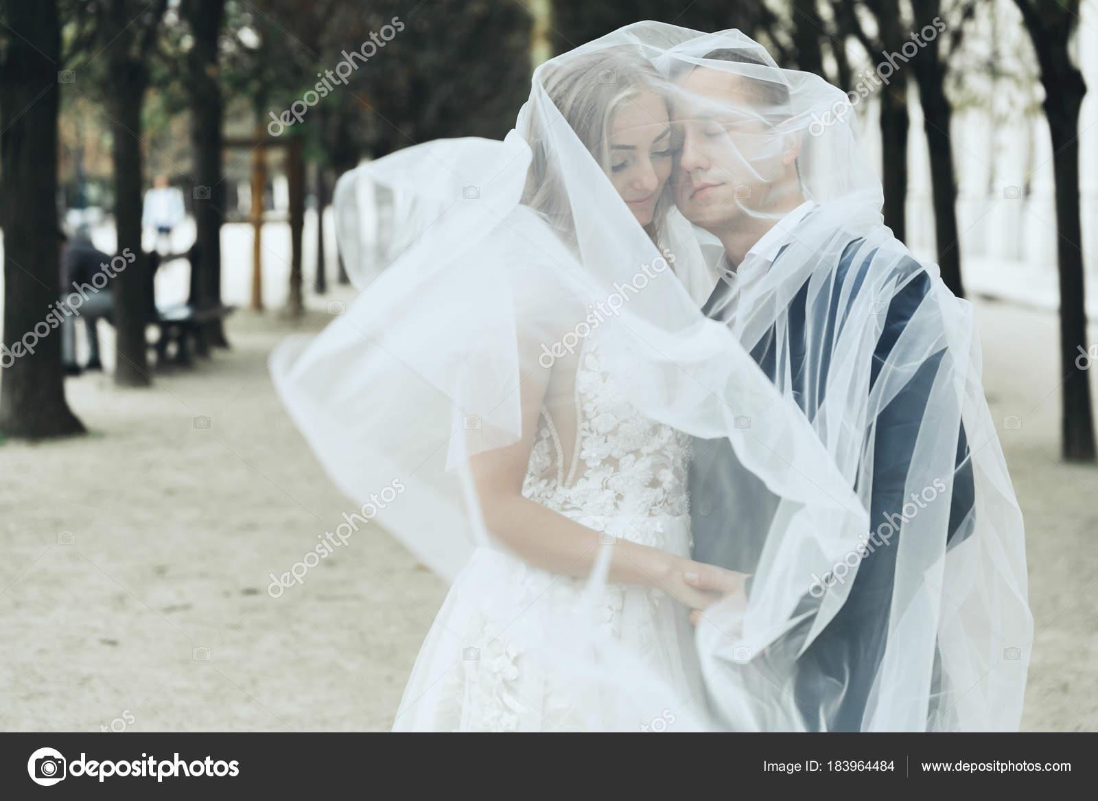 seksualnie-zhenshini-naklonyayutsya